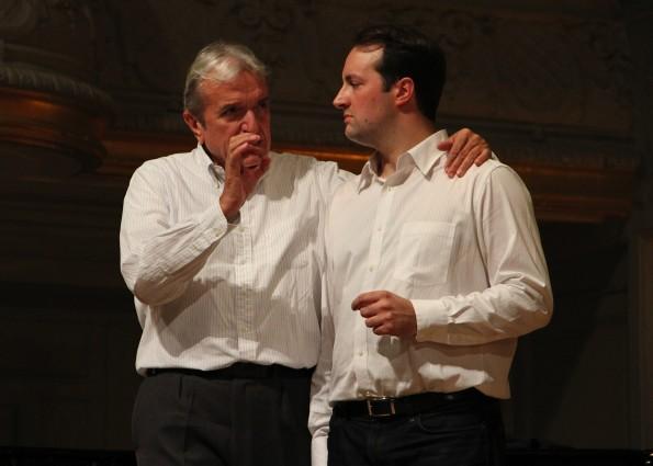 Yann Toussaint dans la Masterclasse sur Don Giovanni, avec Ruggero Raimondi, Salle Gaveau, 2010.