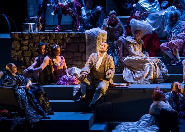 Yann Toussaint, dans le rôle de Duparquet (Falke) dans la Chauve-Souris de Johann Strauss, à l'Opéra du Grand Avignon, 2015. Copyright Cédric Delestrade Studio ACM.